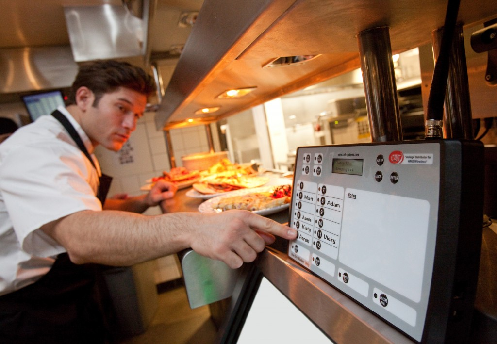 How To Create Harmony Between Kitchen And Wait Staff